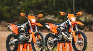 Two Stroke vs Four stroke dirt bikes
