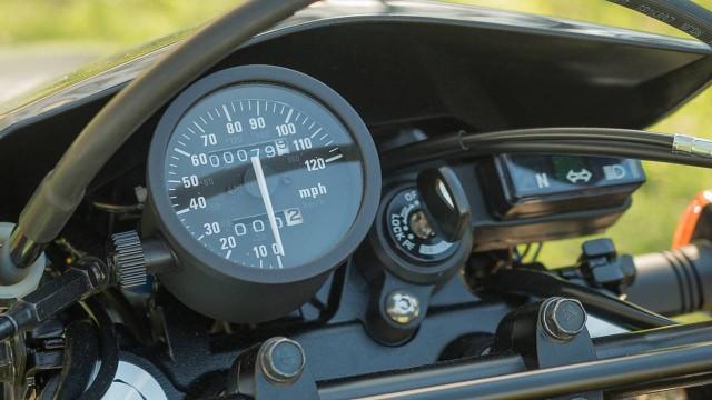Suzuki DR650 dashboard