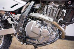 Suzuki DR650S engine