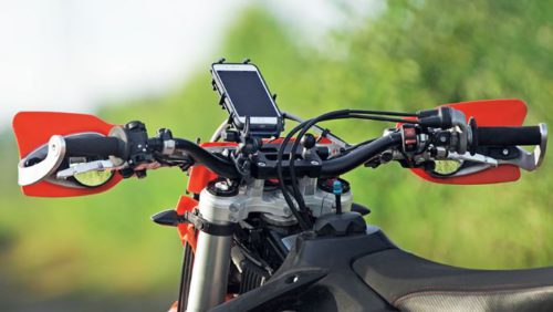 5 Best Motorcycle Phone Mounts – Tough Enough For Dirt Bikes