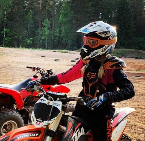 Women's dirt bike helmets-how to choose